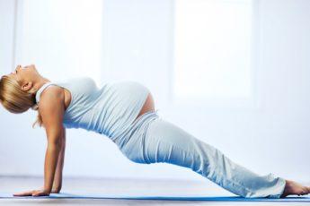 Йога для беременных все за и против