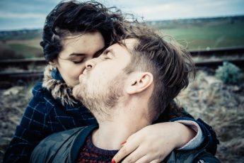 Важность поцелуев во взаимоотношениях