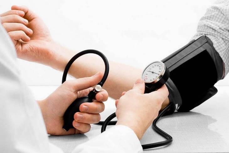 mnogie-lyudi-v-nashe-vremya-stradayut-ot-osteohondroza-4
