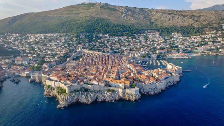 Вид с моря на Дубровник