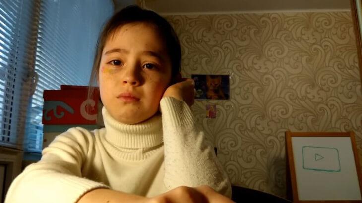 10-letnyaya-videobloger-rasplakalas-1