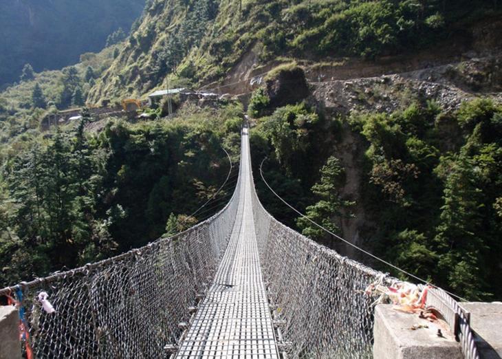 mosty-kotorye-pugayut-mnogih-turistov-3