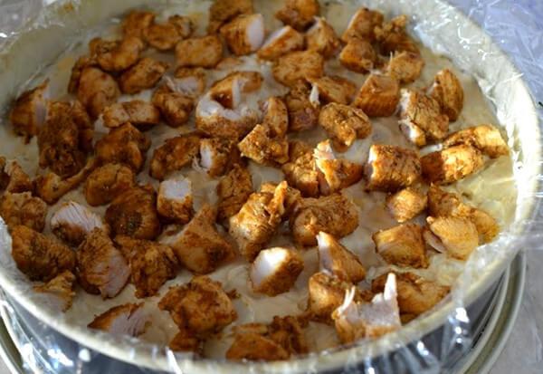 tort-salat-s-kuritsej-i-gribami-4