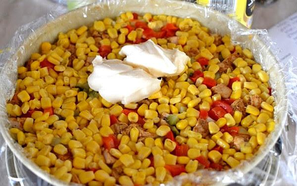 tort-salat-s-kuritsej-i-gribami-5