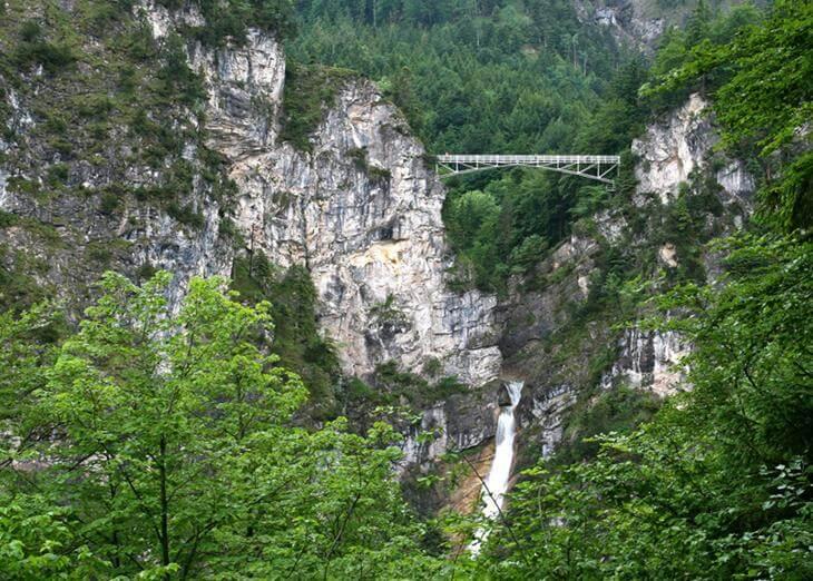 mosty-kotorye-pugayut-mnogih-turistov-6