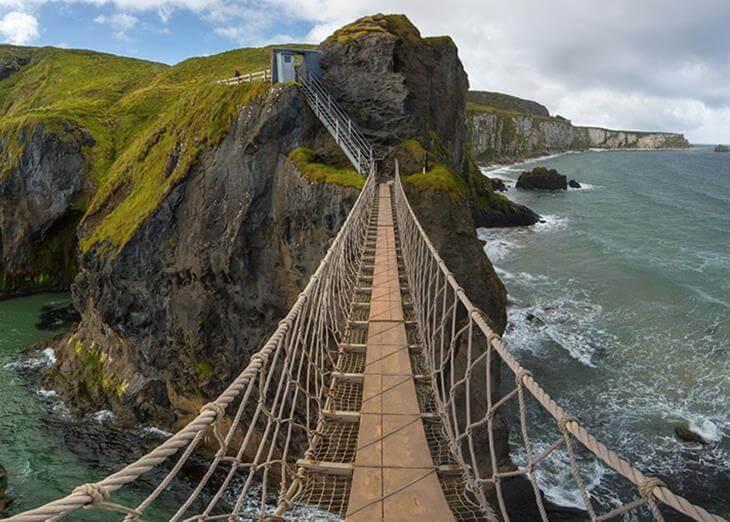 mosty-kotorye-pugayut-mnogih-turistov-7