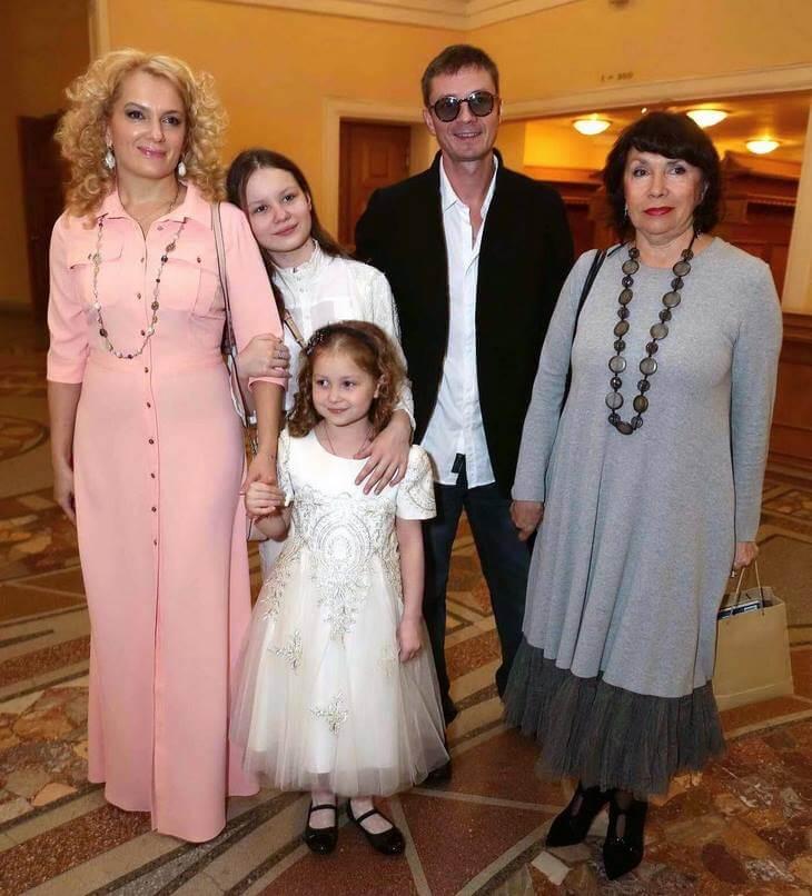 mariya-poroshina-pokazala-foto-v-kupalnike-15
