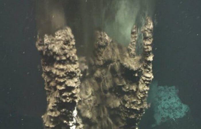 10-neveroyatnyh-veshhej-kotorye-byli-obnaruzheny-v-okeanskih-glubinah-8