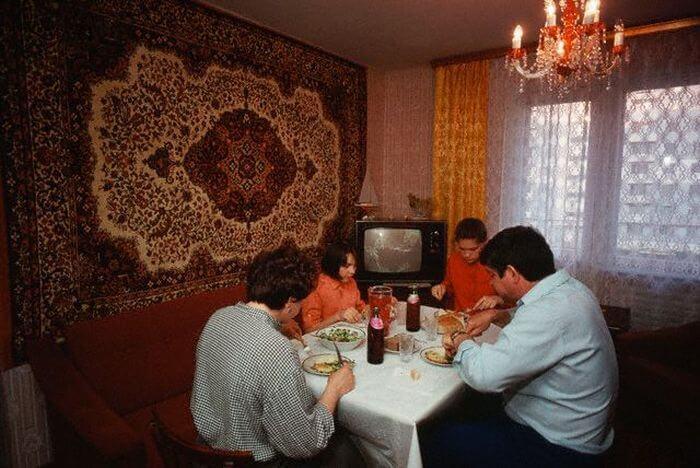 15-unikalnyh-fotografij-o-tom-kak-zhili-lyudi-v-1980-h-12