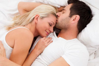 Ежедневный интим способен вернуть медовый месяц в отношения и повысить иммунитет