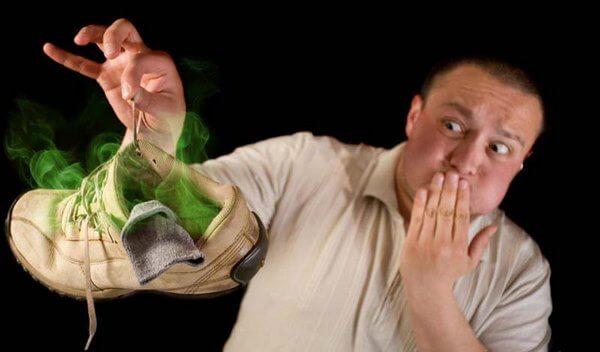 Как избавить любимую обувь от неприятного запаха