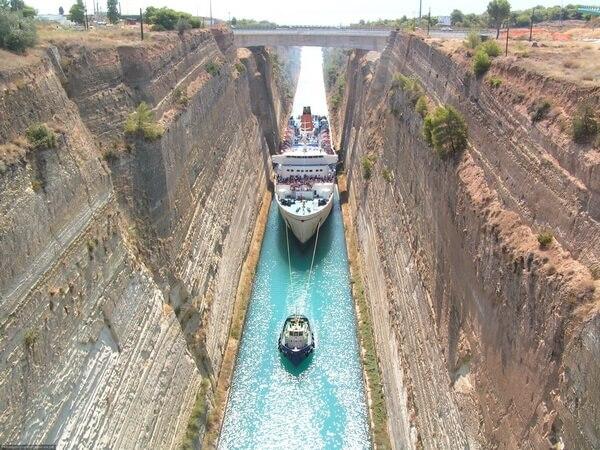 А Вы знали, как выглядит самый узкий в мире канал для кораблей? (фото)