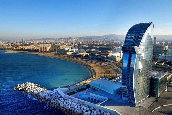 Куда не стоит ехать в отпуск: названы самые негостеприимные города для туристов