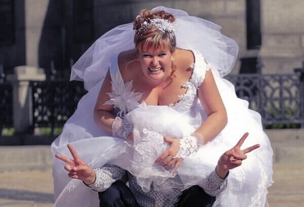 13 нелепых свадебных снимков, от которых нужно было избавиться!