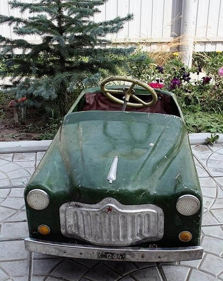 https://luxalux.ru/detskie-pedalnye-avtomobili-vremen-sssr-10