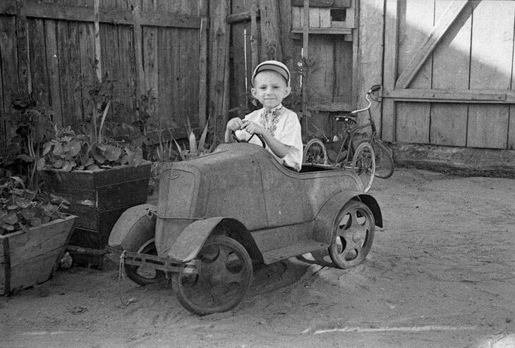 https://luxalux.ru/detskie-pedalnye-avtomobili-vremen-sssr-19.2