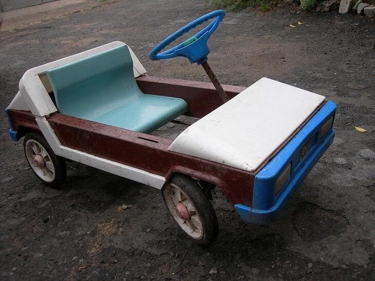 https://luxalux.ru/detskie-pedalnye-avtomobili-vremen-sssr-9