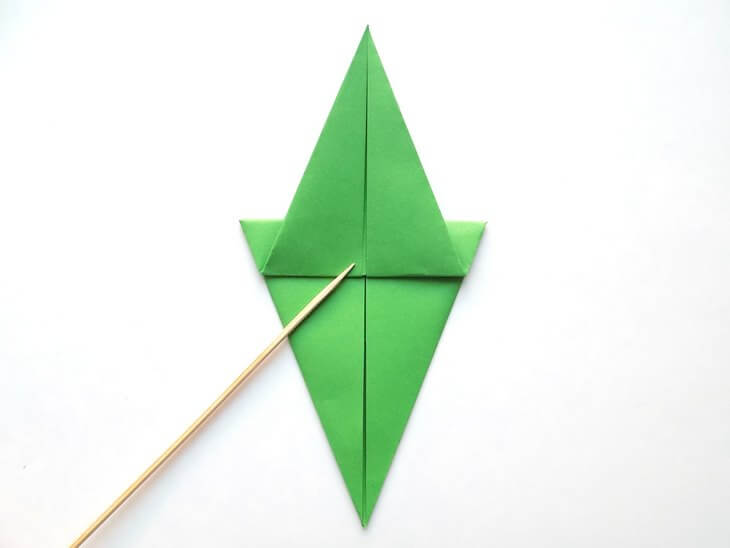 kak-sdelat-elochku-iz-bumagi-v-tehnike-origami-post-luxalux.ru-10