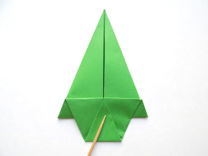 kak-sdelat-elochku-iz-bumagi-v-tehnike-origami-post-luxalux.ru-11