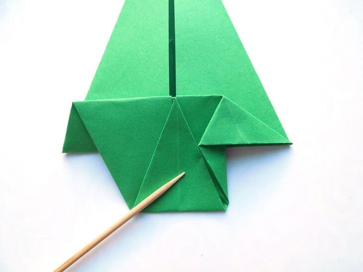 kak-sdelat-elochku-iz-bumagi-v-tehnike-origami-post-luxalux.ru-12