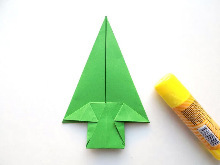 kak-sdelat-elochku-iz-bumagi-v-tehnike-origami-post-luxalux.ru-13