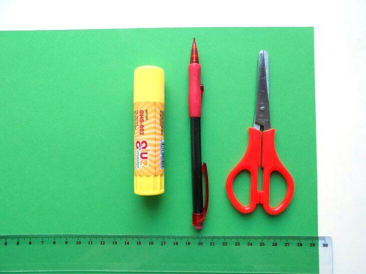 kak-sdelat-elochku-iz-bumagi-v-tehnike-origami-post-luxalux.ru-2