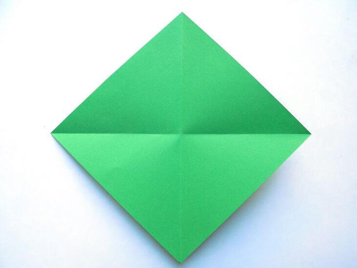 kak-sdelat-elochku-iz-bumagi-v-tehnike-origami-post-luxalux.ru-5