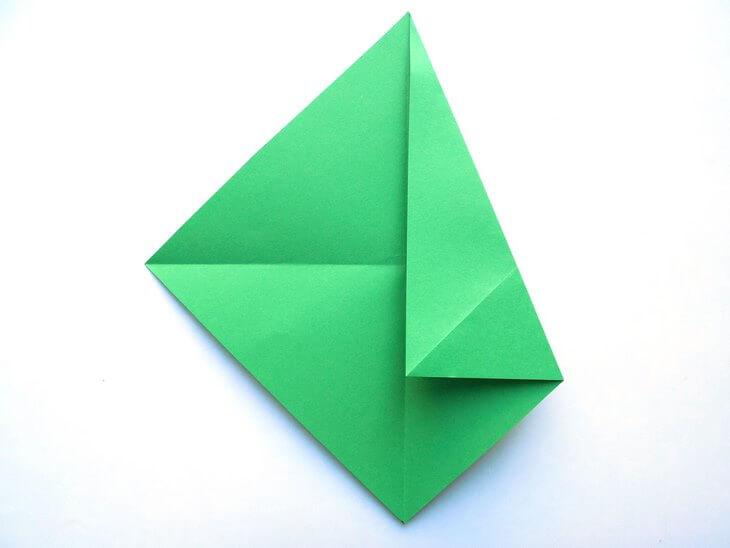 kak-sdelat-elochku-iz-bumagi-v-tehnike-origami-post-luxalux.ru-6