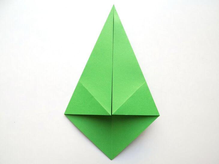 kak-sdelat-elochku-iz-bumagi-v-tehnike-origami-post-luxalux.ru-7