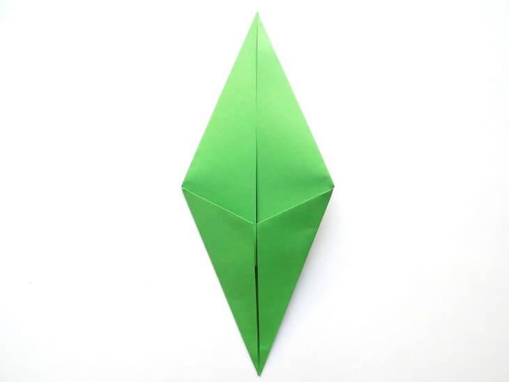 kak-sdelat-elochku-iz-bumagi-v-tehnike-origami-post-luxalux.ru-8