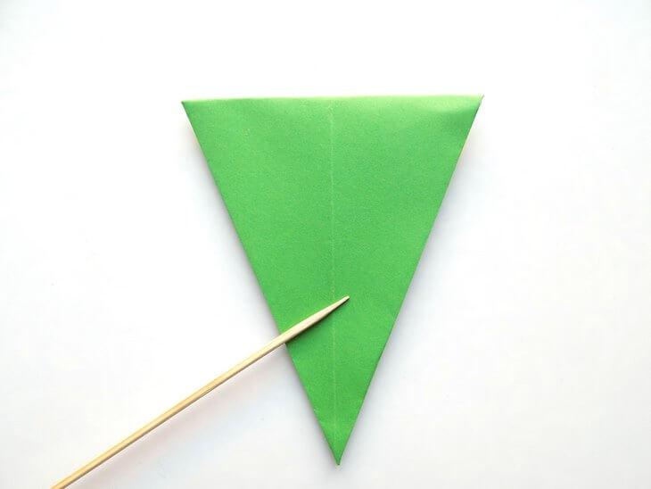 kak-sdelat-elochku-iz-bumagi-v-tehnike-origami-post-luxalux.ru-9