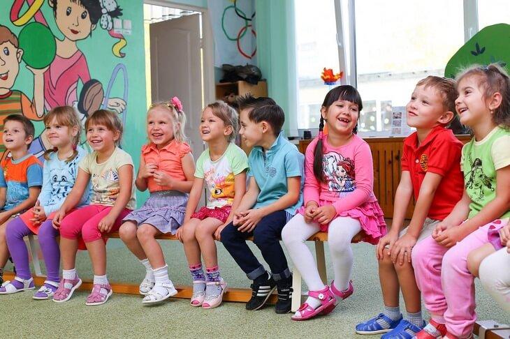 rebenok-idet-v-detskiy-sad-sovety-mamy-post-luxalux.ru-1