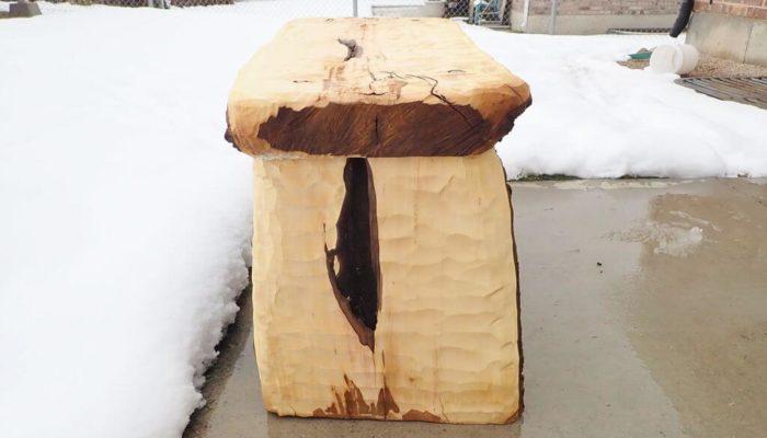 Как сделать садовую скамейку из бревна