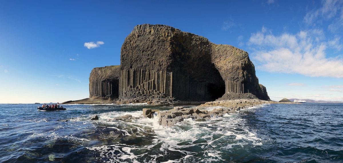 Фингалова пещера или пещера, создающая мелодии