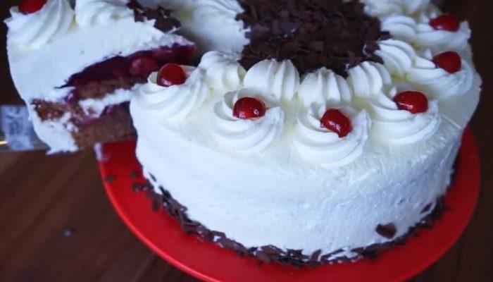 Как приготовить шоколадный торт с вишней, рецепт с фото