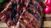 Готовим на углях: свиные ребрышки в имбирном маринаде