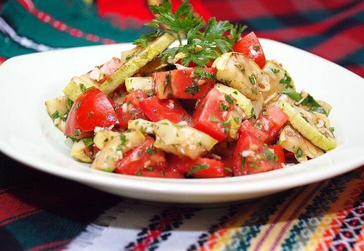 vitaminnoe-ragu-iz-kabachkov-s-pomidorami-i-ukropom-post-luxalux.ru